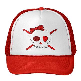 Ganchos del cráneo y de ganchillo (rojos) gorros bordados