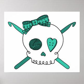 Ganchos del cráneo y de ganchillo (turquesa) póster