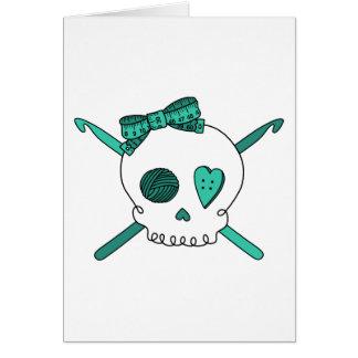 Ganchos del cráneo y de ganchillo (turquesa) tarjeta de felicitación