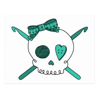 Ganchos del cráneo y de ganchillo turquesa