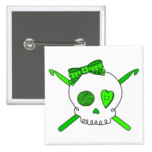 Ganchos del cráneo y de ganchillo (verde lima) pins