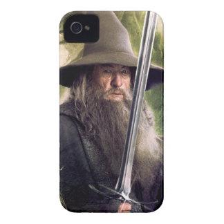 Gandalf con el personal y la espada iPhone 4 protectores