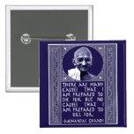 Gandhi en causas pin cuadrada 5 cm