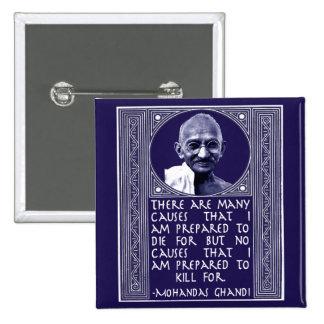 Gandhi en causas pin cuadrado