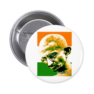 Gandhi en verde anaranjado y blanco con la bandera pins
