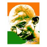 Gandhi en verde anaranjado y blanco con la bandera postal