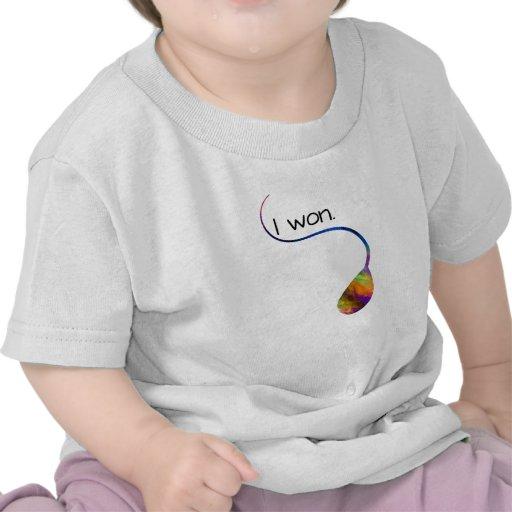 Gané en camisa divertida del bebé del arco iris