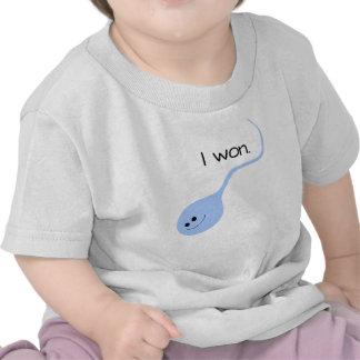 Gané la camiseta divertida azul del bebé