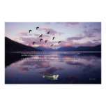 Gansos sobre el lago glacier en la puesta del sol poster