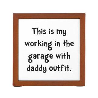 Garaje de trabajo del papá organizador de escritorio