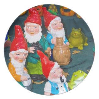 Garden gnome dinner plate