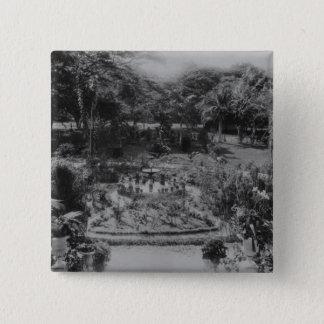 Garden of a Suburban Villa Button