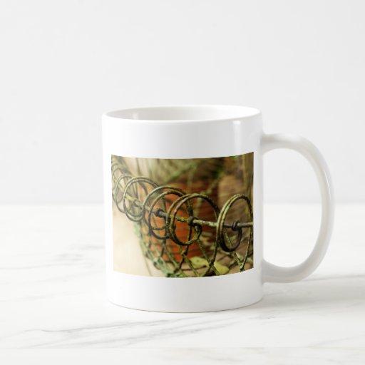 Garden Wire Basket Mug