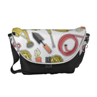 Gardening Love Pattern Messenger Bag