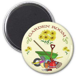 Gardening magnet