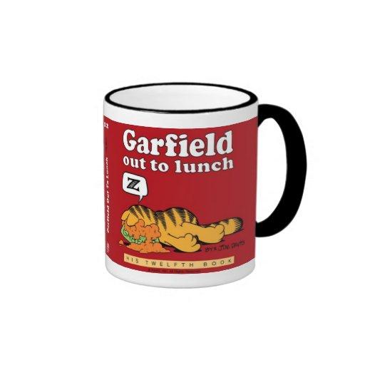 Garfield hacia fuera a almorzar taza