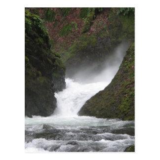 Garganta de Columbia de la cascada Postal