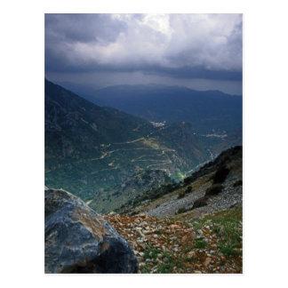 Garganta de la montaña en la isla de Creta Postal
