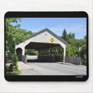 Garganta de Quechee del puente cubierto, Vermont - Mouse Pad