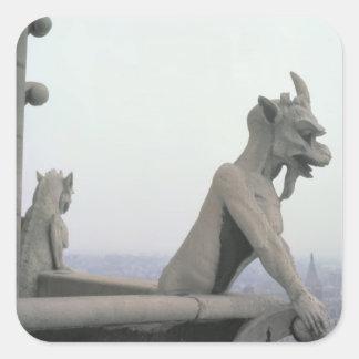 Gargoyle de la barandilla del grande calcomanías cuadradas personalizadas