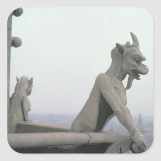 Gargoyle de la barandilla del grande pegatina cuadrada