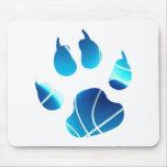 Garra del baloncesto en el color azul de neón mouse pads