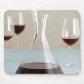Garrafa del vino rojo mousepad