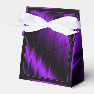 Garras de la lila caja para regalos de fiestas