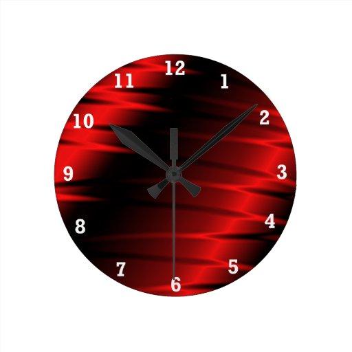Garras rojas reloj redondo mediano