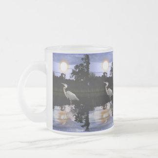 Garza de gran azul en el arte crepuscular de la fa taza