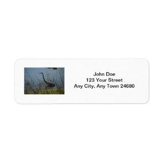 Garza de gran azul en la etiqueta de los humedales etiqueta de remite