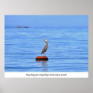 Garza que canta en el océano posters