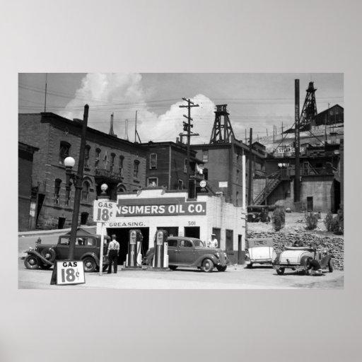 Gas Station, 1939 Print