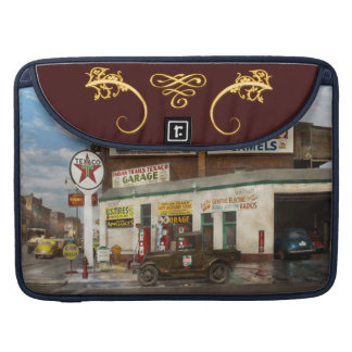 Gas Station - Indian Trails gas station 1940 Sleeves For MacBook Pro