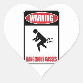 Gases peligrosos divertidos pegatina en forma de corazón