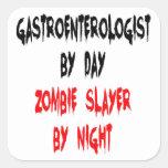 Gastroenterólogo del asesino del zombi pegatina cuadrada