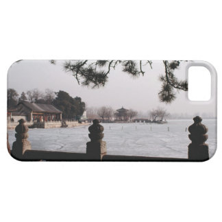 Gate and foliage by frozen lake, China iPhone SE/5/5s Case