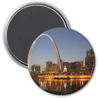 Gateway Arch St. Louis Mississippi at Night 3 Inch Round Magnet