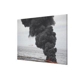 Gathered concentró quemaduras del aceite lona estirada galerías