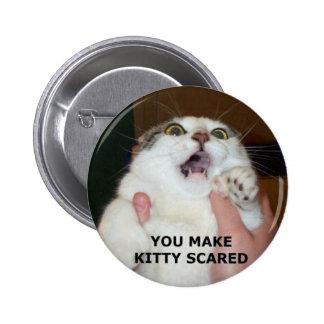 Gatito asustado pin