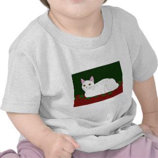Gatito blanco sonriente camisetas