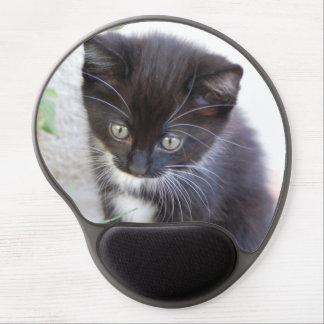 Gatito blanco y negro alfombrilla de raton con gel