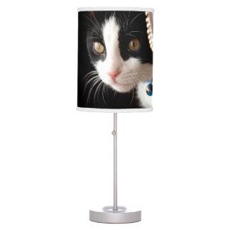 Gatito blanco y negro lámpara de mesilla de noche
