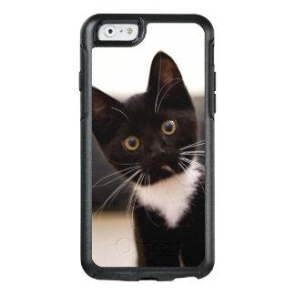 Gatito blanco y negro lindo del smoking funda otterbox para iPhone 6/6s