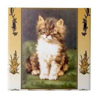 Gatito bonito azulejo cuadrado pequeño