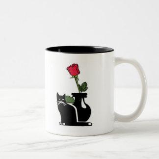 Gatito color de rosa romántico taza dos tonos