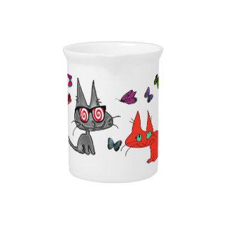 Gatito con los vidrios hipnóticos jarra para bebida