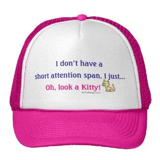 Gatito corto de la capacidad de concentración gorra