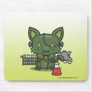 Gatito de Kawaii (el monstruo de Frankenstein) Tapete De Raton
