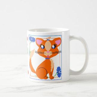 Gatito de Toon del jengibre con la taza de las flo